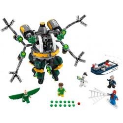 LEGO Super Heroes - Homem Aranha a Armadilha (446 pcs.) 2017