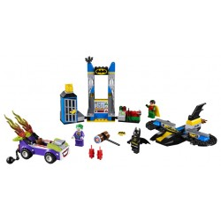 LEGO Juniors - O Ataque à Batcaverna do Joker (151pcs) 2018