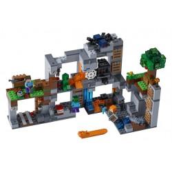 LEGO Minecraft - Aventuras nas Rochas (644pcs) 2018