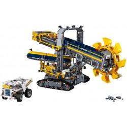 LEGO TECHNIC - Escavadora c/Roda de Baldes (3929 pcs.) 2017