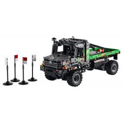 LEGO Technic - Camião de Testes Mercedes-Benz Zetros 4x4 (2110 pcs) 2021
